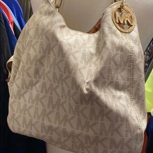 Authentic Michael Kors purse!!!